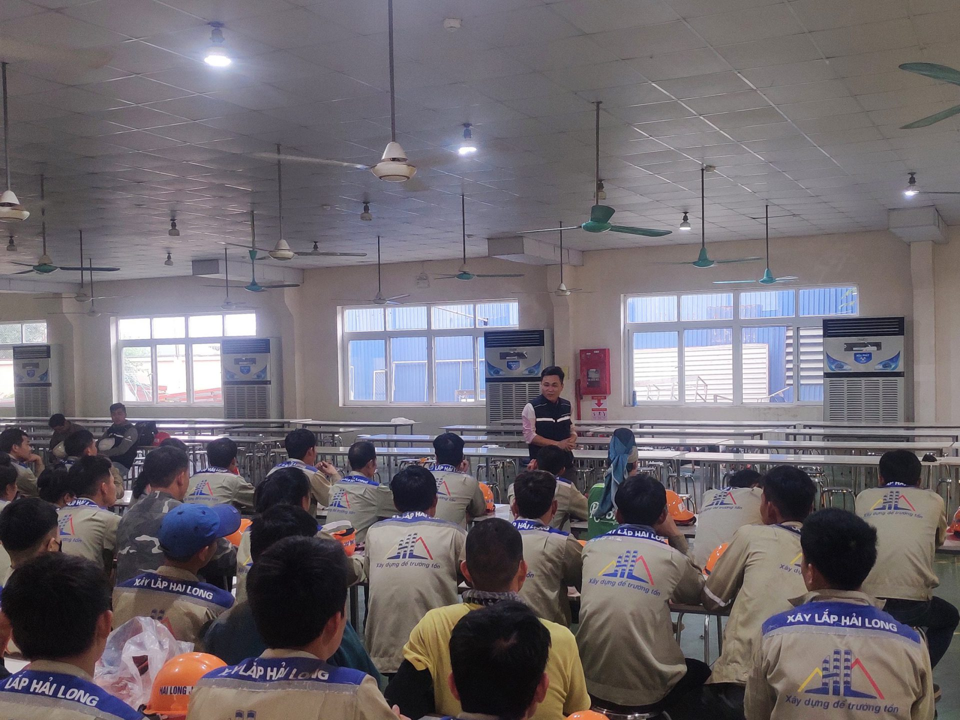Hai Long Construction Joint Stock Company conducts training and inspection of occupational safety at Dream Plastic Project